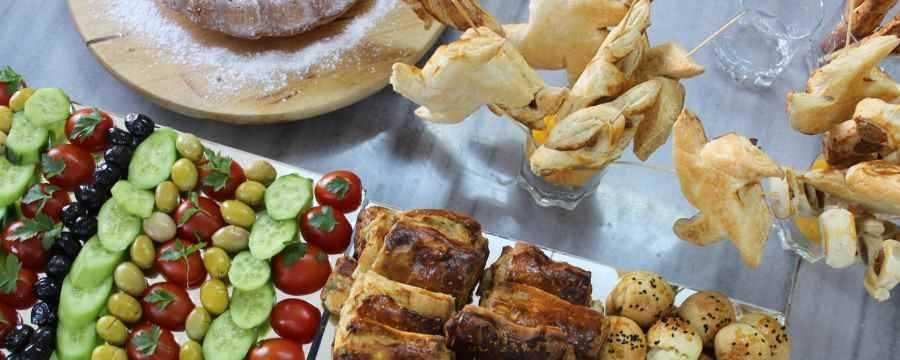 Looking for Catering trays?
